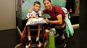 Ronaldo csak egy rajongójának szerzett örömet