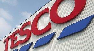 Totális sztrájkra készülnek a Tesco dogozói