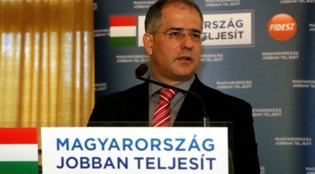 Kósát leváltják a Fidesz-frakció éléről, mert miniszter lesz