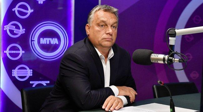 Orbán 38 percet késett a rádióból