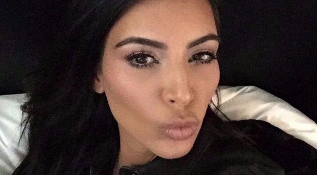 Kim Kardashian most úgy döntött, inkább alulról mutat meg mindent - fotók