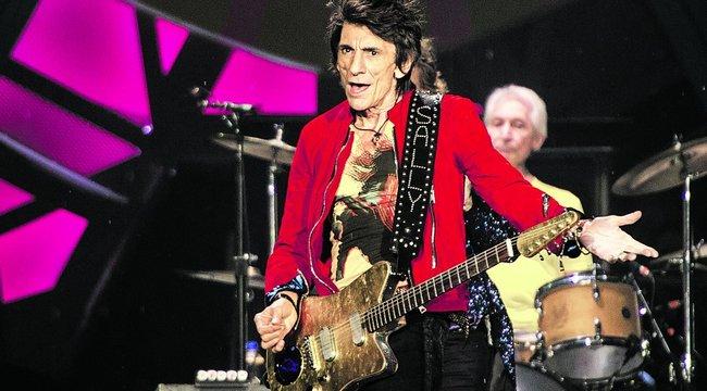 Újra a színpadon a Stones gitárosa