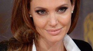 Újra régi fényében tündökölt Angelina Jolie – fotók