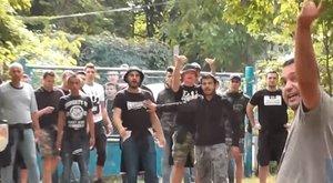 Magyar családokra támadtak az ultrák – videó