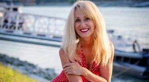 Vincze Lilla:Erdélyben barikádokon énekeltünk