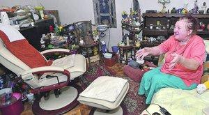 3 milliót követelnek Évától egy fotelért