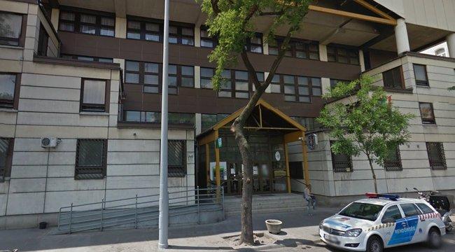 Hét elfogatóparancs volt a budapesti nő ellen, párja ment érte az örsre. Kár volt