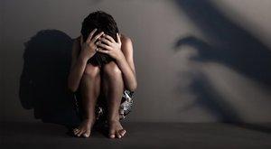 Öttagú banda erőszakolta meg a szűz tinilányt az eldurvult házibuliban