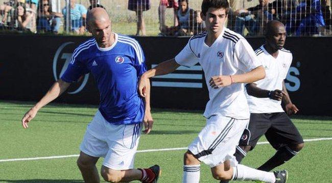 A kis Zidane el akarja verni a saját faterját