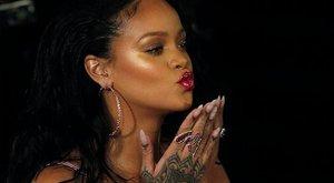 Rihanna belezúgott Victoria Beckhambe?