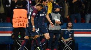 Cavani és Neymar egymást simogatta