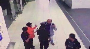 Megkezdődött a Kim Dzsong Nam megölésével gyanúsított nők pere