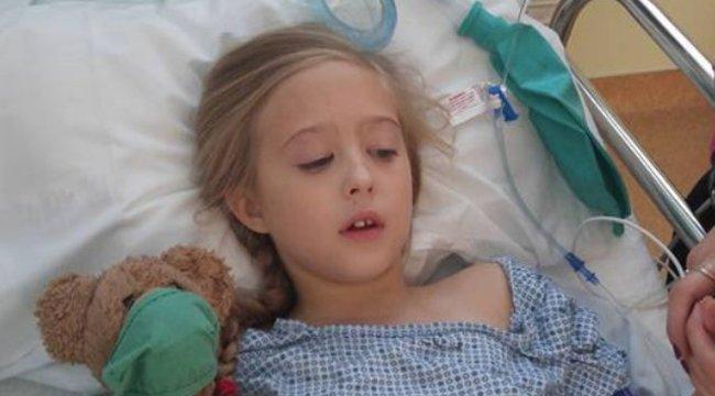 10 éves és már nagyon boldog a lány, aki túlélte a mellrákot