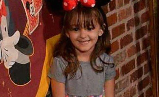 """""""Csak egy átkozott cukorkát akart"""" - felelőtlenség végzett a 4 éves kislánnyal"""