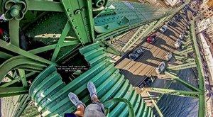 Lezárták a Szabadság hidat, felmászott egy ember ahídszerkezetre