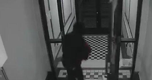 81 éves nőt vert meg egy agresszív rabló – videó