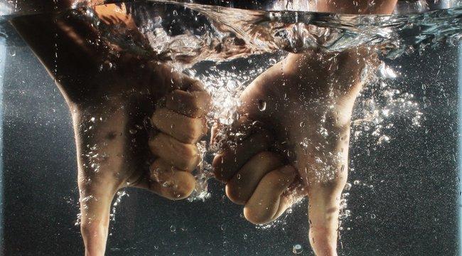 da2acc4b6f Kihagyhatatlan ajánlat: méregdrága fürdőruha, amiben kerülni kell a vizet |  BorsOnline - Sztárhírek - Pletyka - Krimi - Politika - Sport