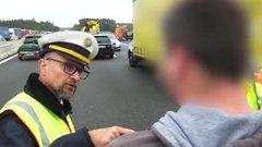 Katasztrófaturizmus Németországban - lefotózta a halottakat a magyar kamionsofőr