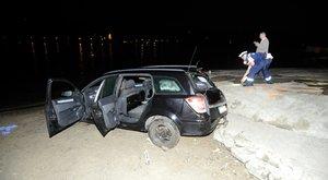 Tragédia a nagymarosi kompnál:Édesapja kiáll a testvérét kocsiban hagyó fia mellett