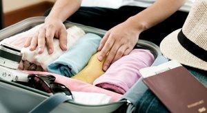 Így pakolja el a ruhákat, hogy több hely maradjon a bőröndben!