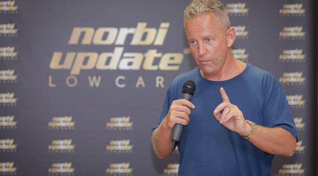 Vészriadót fújt Schobert Norbi – Az elhízottak könnyebben elkapják a vírust
