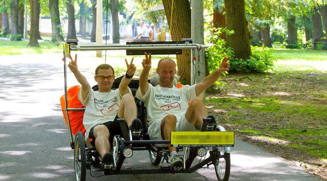 Bringakocsival indultak Londonba az olimpiára