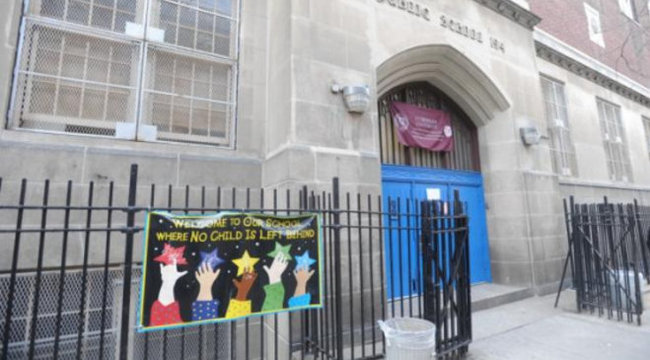 Nyolcévest kényszerítettek orális szexre