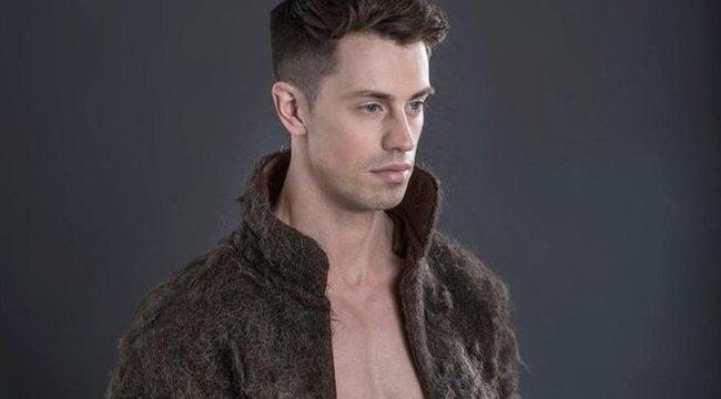 Napi fúj: férfi mellszőrből készült kabát