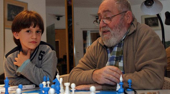 Polgár: Alzheimer-kór ellen pingpong és sakk