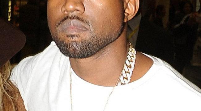 Kanye West nyakában hordja lánya nevét