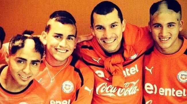 Cikis szertartással szivatták a chilei focistákat