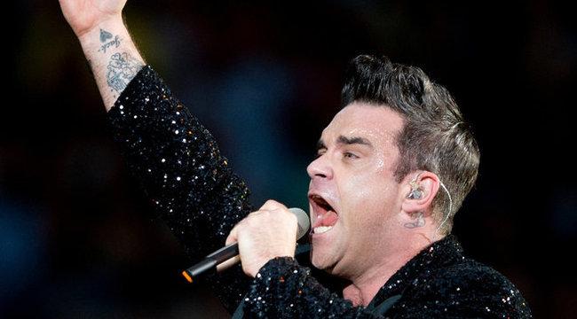 Gyanús: Elvis Presley reinkarnációja Robbie Willams?