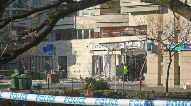 Banki robbantás: fél percen múlott a portás élete