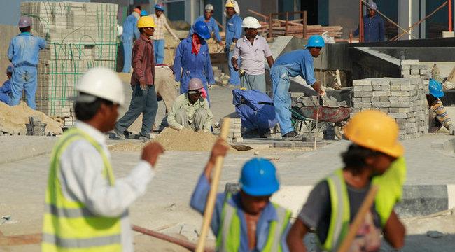 Több mint 600 halott a katari vb építkezésein