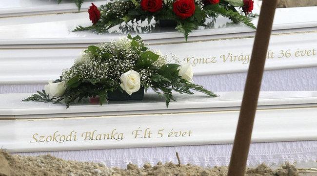 Terhesen ölték meg a menyemet! – mondja a nevelőapa