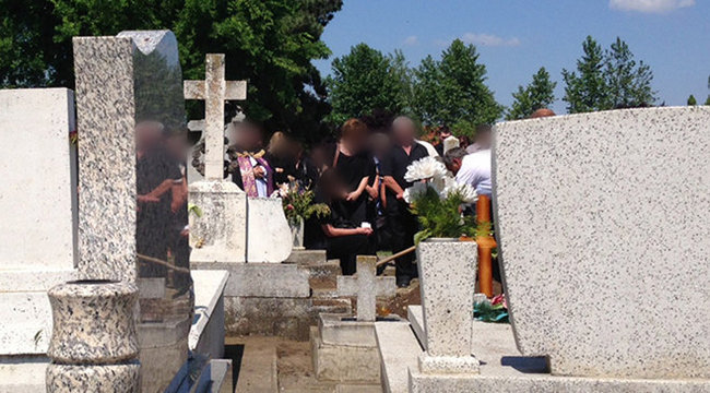 Eltemették a békési vérfürdő két áldozatát