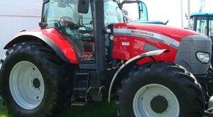 Lopott traktorban utaztak a románok