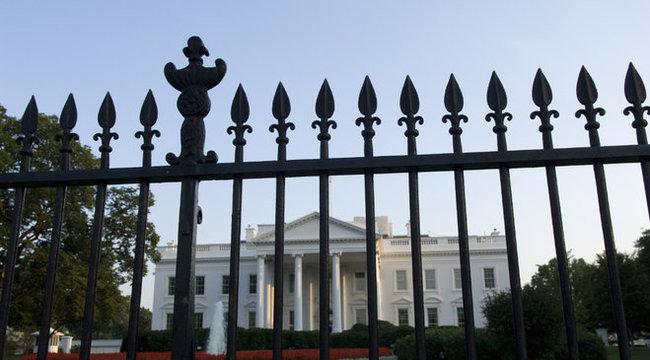 Bemászott a Fehér Házba egy kétéves kisgyermek