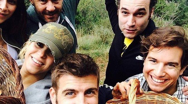 Shakirával meg haverokkal gombászott Piqué