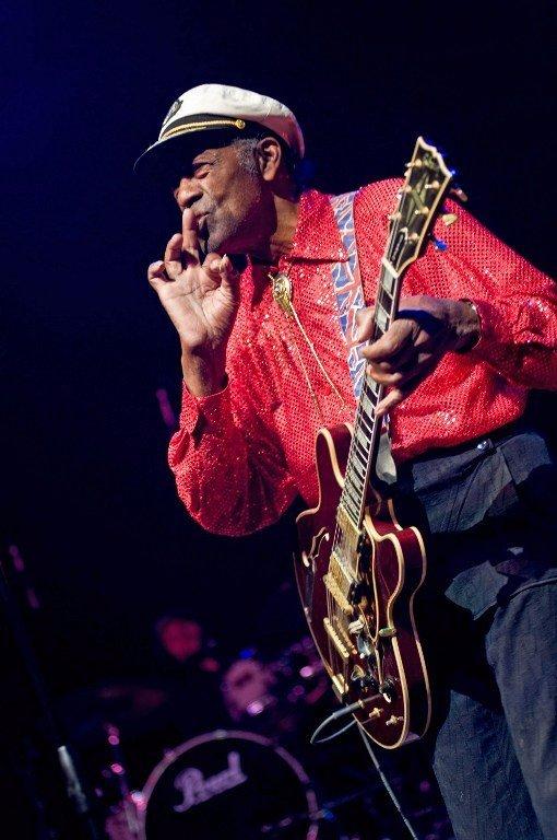 Chuck Berry a rock'n'roll történetének egyik legmeghatározóbb személyisége volt, 90 éves korában, St. Louis-i otthonában hunyt el.