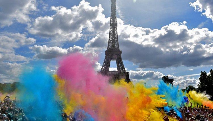 Color Run 2017 - Színes festékpor lepte el Párizs utcáit