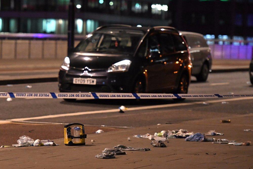 Terrortámadás Londonban: hét halott, félszáz sebesült