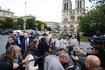 Egy kalapácsos férfi támadt rendőrökre a Notre Dame-nál, lelőtték