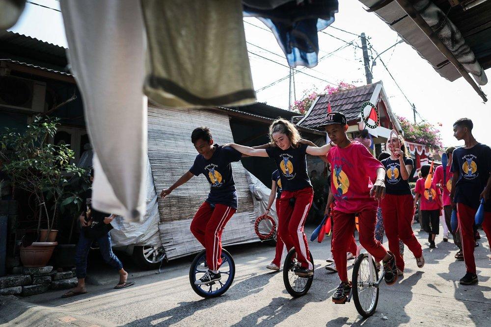 Artistanövendékek Indonéziában