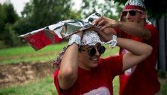 Űrállomást avatott a Kétfarkú Kutya Párt Felcsúton