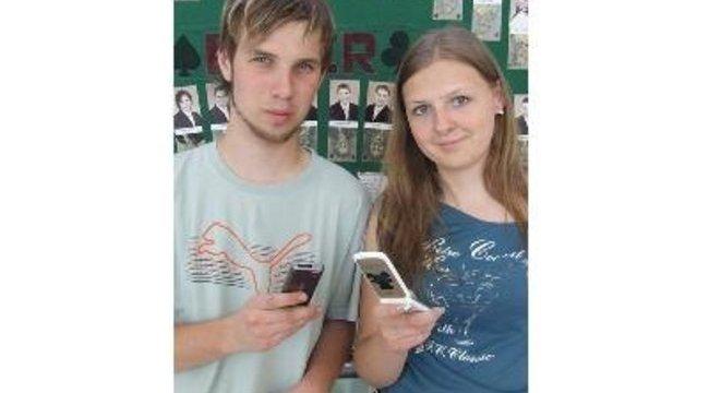 Sms-el követik le a hódmezővásárhelyi diákokat