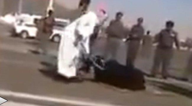 Nyílt utcán fejezték le a gyilkos anyát – 18+ videó