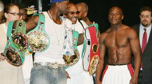 50 Cent egymillióval fogad Mayweatherre