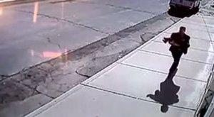 Sokkoló: kamera rögzítette a gyerekrablást