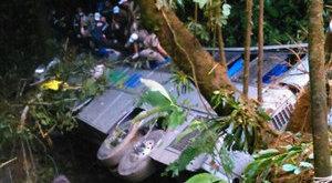Tragikus buszbaleset: 40 halott